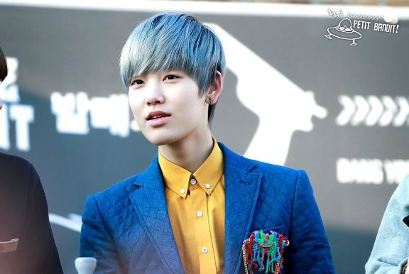 BAP Zelo-greysilverbluehair-kpopguyhairstyles-kpopguyhaircolor-korean-kpop-kdramas-kpopmenshair