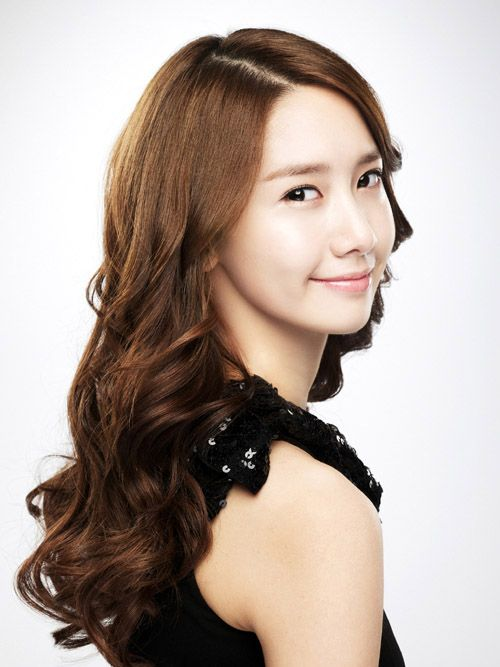 kpop idol girl group korean kdrama actress im yoona curly wavy hairstyles for girls kpopstuff