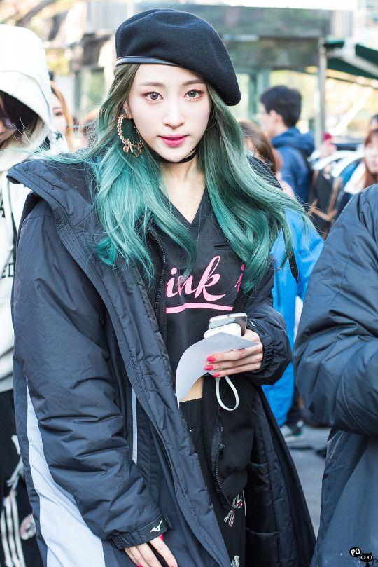 Korean kpop idol girl group EXID hani green dyed ends hairstyle for girls kpopstuff