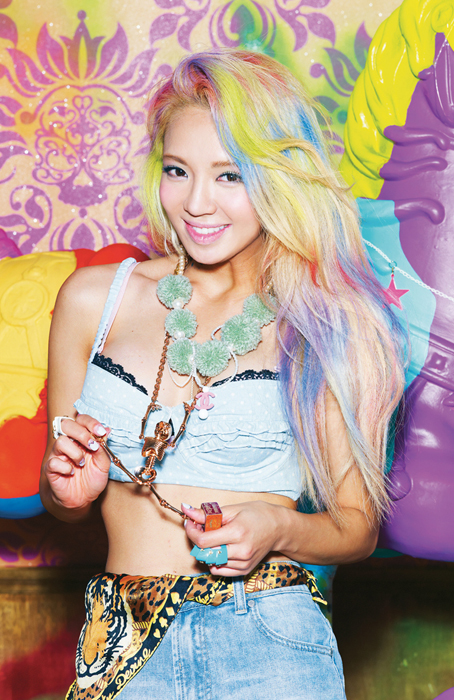 Korean kpop idol dancer girls generation SNSD Hyoyeon rainbow candy colored dye hairstyles for girls kpopstuff