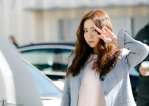 korea korean drama kdrama movie actress shin se kyung hippie perm long curly hair boho hairstyles for girls kpopstuff