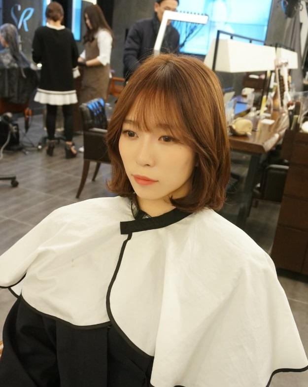 Terrific Hot Style Short C Curl Perm With See Through Bangs Kpop Short Hairstyles Gunalazisus