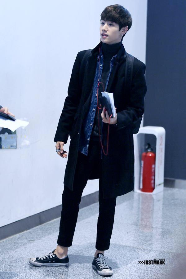 korea korean kpop idol boy band group got7 GOT7 mark airport fashion college campus look for guys kpopstuff