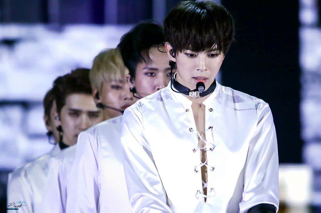 korea korean kpop idol boy band group vixx choker fashion hongbin chained up fashion webbed chokers for guys kpopstuff