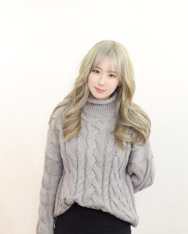 FEMALE KPOPSTAR HAIRSTYLE Kpop Korean Hair And Style - Curly short hair kpop