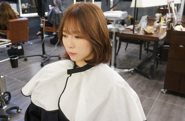 Astonishing Hot Style Short C Curl Perm With See Through Bangs Kpop Short Hairstyles Gunalazisus