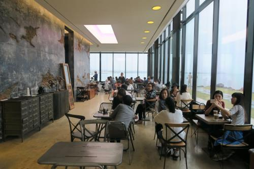 korea korean kpop idol boy band group big bang gdragon's cafe the monstant in jeju island korea destinations for kpop fans interior decor kpopstuff