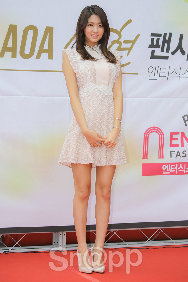 korea korean kpop idol girl band group aoa seolhyun's off-white creme colored dress outfit style for girls kpopstuff