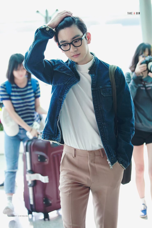 GOT7 (JR.) JINYOUNGu0026#39;S AIRPORT FASHION - Kpop Korean Hair and Style