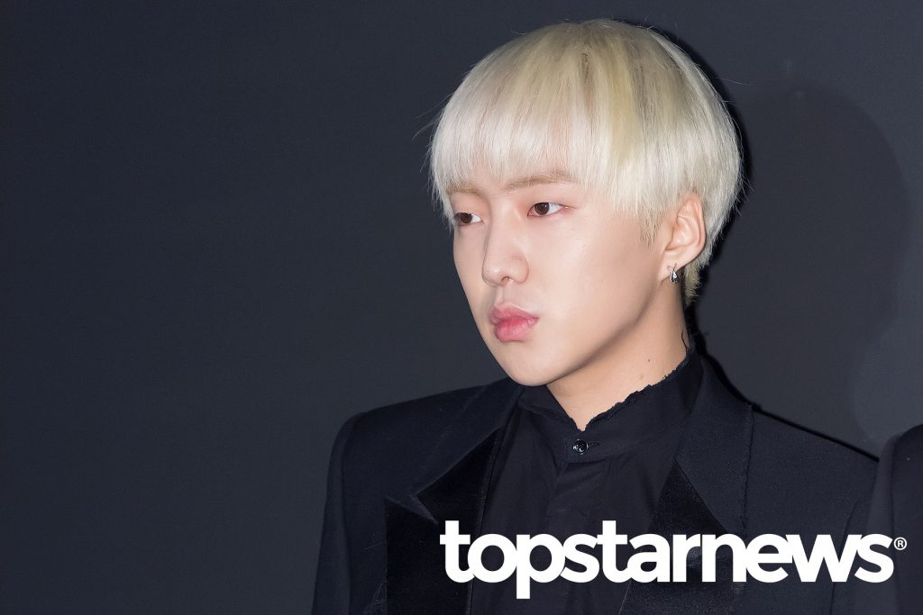 korea korean drama kdrama actor kpop idol winner mino and seungyoon at saint laurent event black suit earring blonde hair fashion guys men kpopstuff