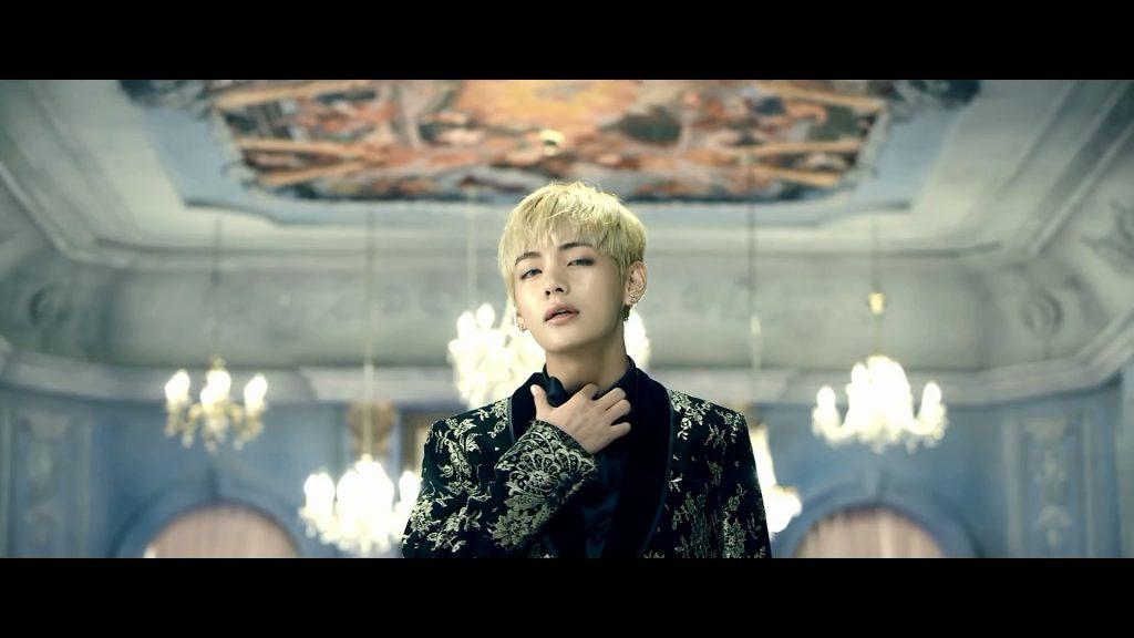 korea korean kpop idol boy band group BTS blood, sweat, tears printed suit v kim taehyung gold black flower english suit formal suit fashion style guys kpopstuff