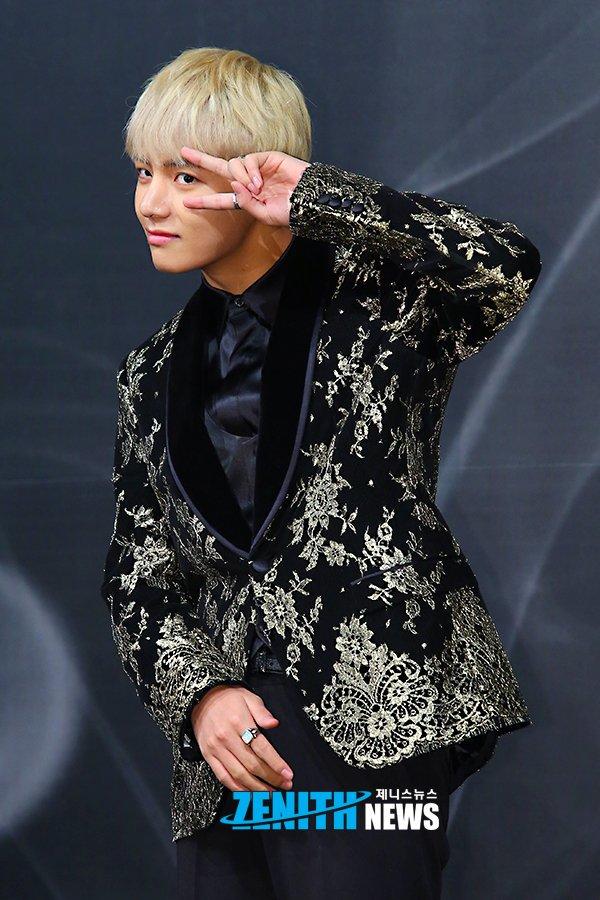 korea korean kpop idol boy band group BTS blood, sweat, tears printed suit v taehyung gold black flower pattern suit formal suit fashion style guys kpopstuff