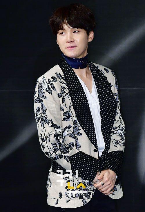 korea korean kpop idol boy band group BTS blood, sweat, tears printed suits suga black white flower patterend suit polka dots formal guys kpopstuff