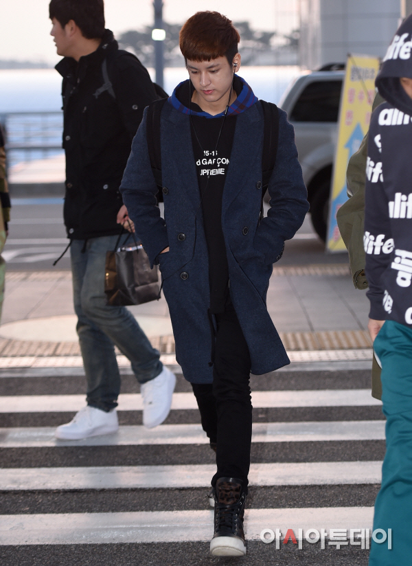 korea korean kpop idol boy band group ikon fashion favorites chanwoo sweater hoodie long coat trend casual airport outfit styles for guys kpopstuff