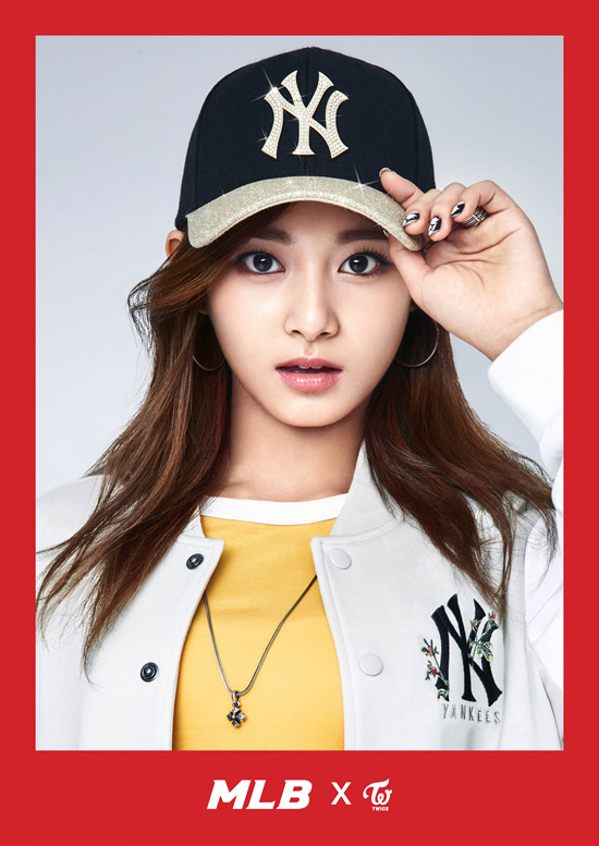 korea korean kpop idol girl group band twice's sporty looks tzuyu black gold mlb baseball cap style sporty casual streetwear outfits fashion for girls kpopstuff