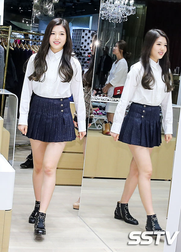korea korean kpop idol joy red velvet's skirt fashion looks uniform skirt fashion styles outfits for girls kpopstuff