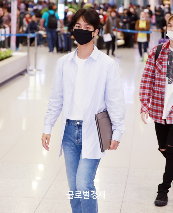 Vixx N 39 S Airport Outfit White T Shirt Jeans Kpop Korean Hair And Style